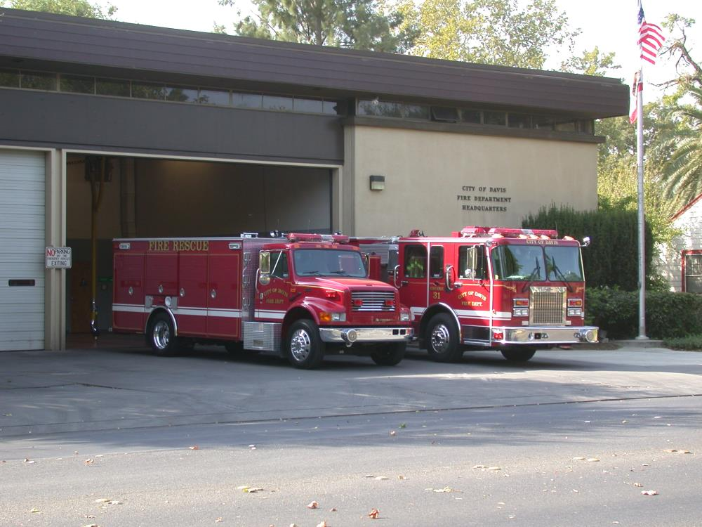 2002.10.01-fire-station-31_001