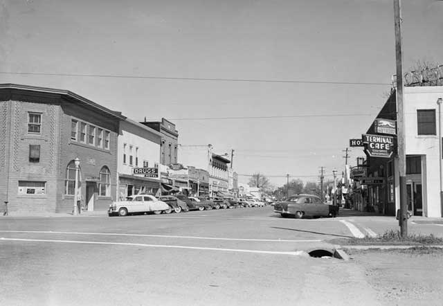 1951 G St looking north from 2nd St from Eastman Collection at UC Davis