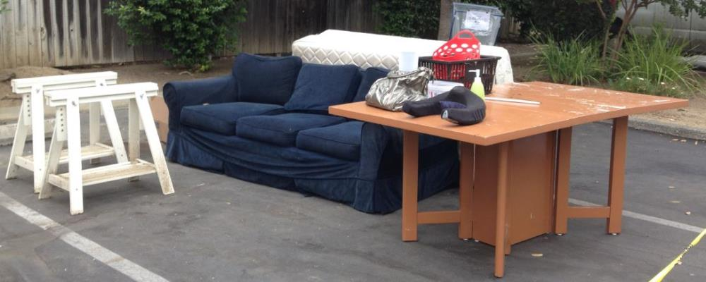 Do You Have Furniture Mattresses Or Large Liances Want To Get Rid Of There Are Several Simple Ways Dispose Bulky Items