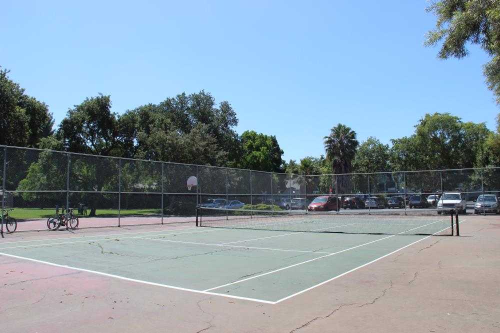 West Manor Park - Tennis Courts(4)
