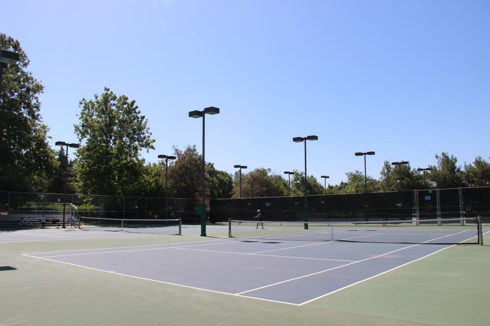 Walnut Park - Tennis Court(1)